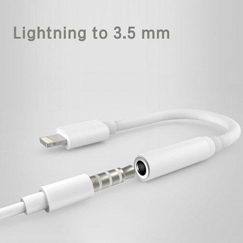 iPhone lightning to 3.5 mm headphone jack adapter